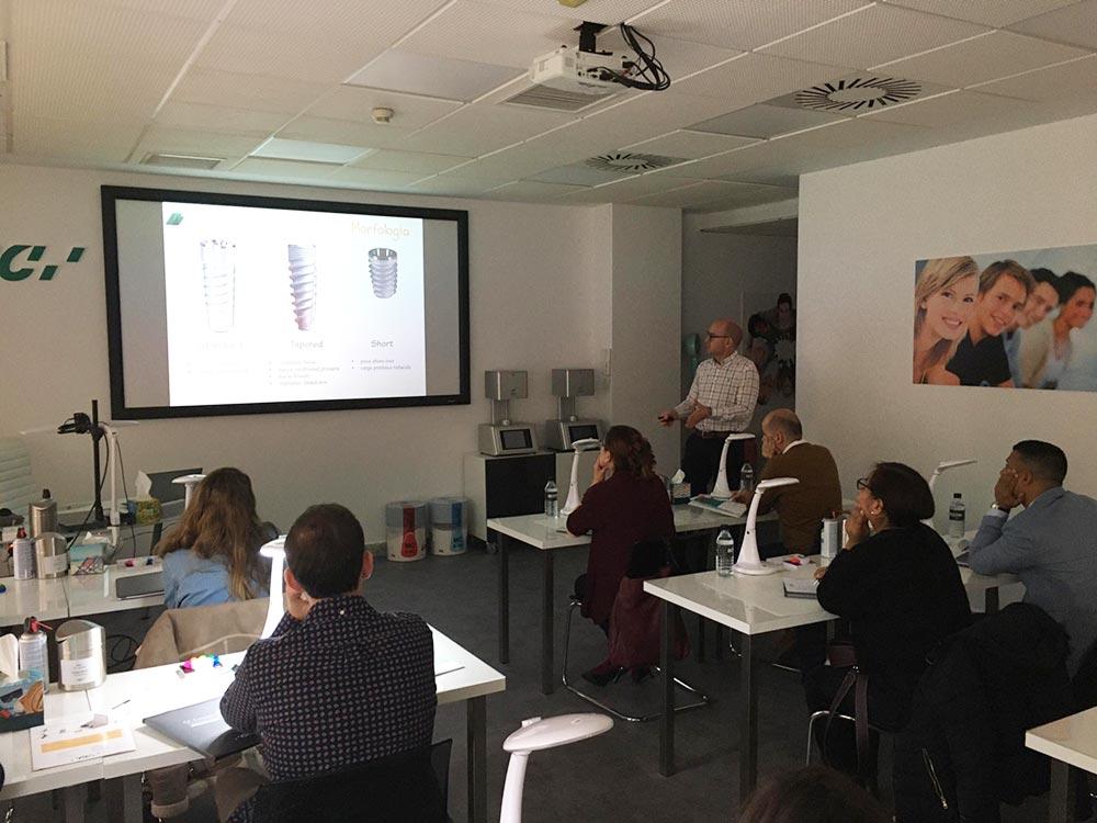 Hablando sobre Implantología Oral en el GC Europe Campus de Madrid