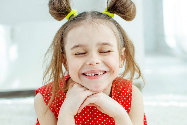 ¿Es cierto que los dientes de leche no tienen raíz?